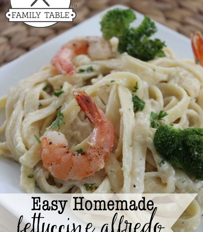This delicious fettuccini alfredo will be a hit at your next family meal! :: welcometothefamilytable.com