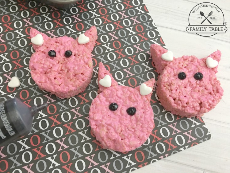 Hogs + Kisses Valentine Rice Krispie Treats FB - WelcomeToTheFamilyTable.com